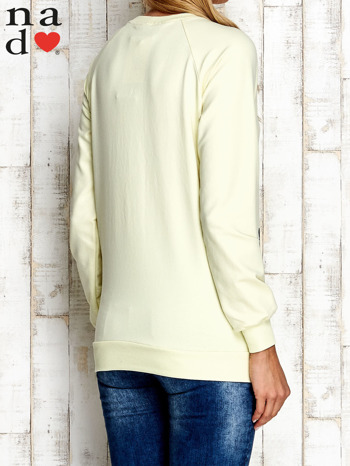 Żółta bluza z nadrukiem kwiatów                                  zdj.                                  4
