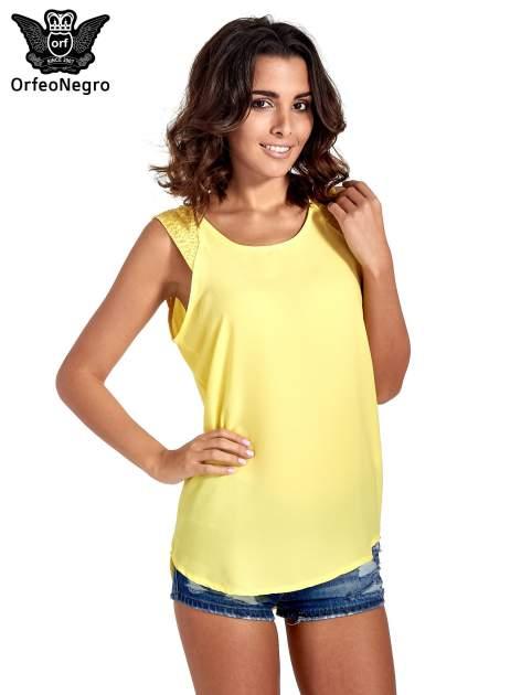 Żółta bluzka koszulowa z koralikami przy ramionach