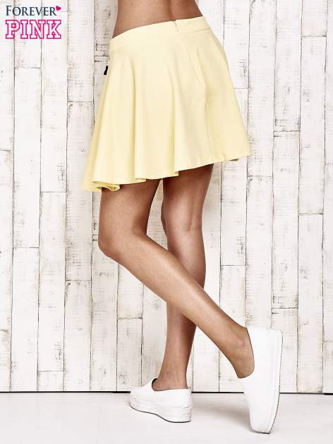 Żółta dresowa spódnica szyta z koła                                  zdj.                                  4