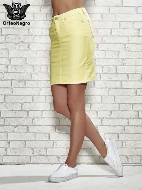Żółta spódnica z zapięciem na guzik                                  zdj.                                  1