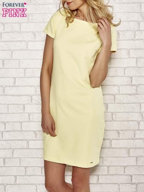 Żółta sukienka dresowa o prostym kroju                                  zdj.                                  1