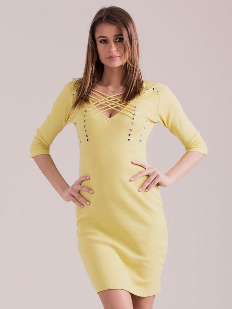 Żółta sznurowana sukienka w prążek                              zdj.                              1