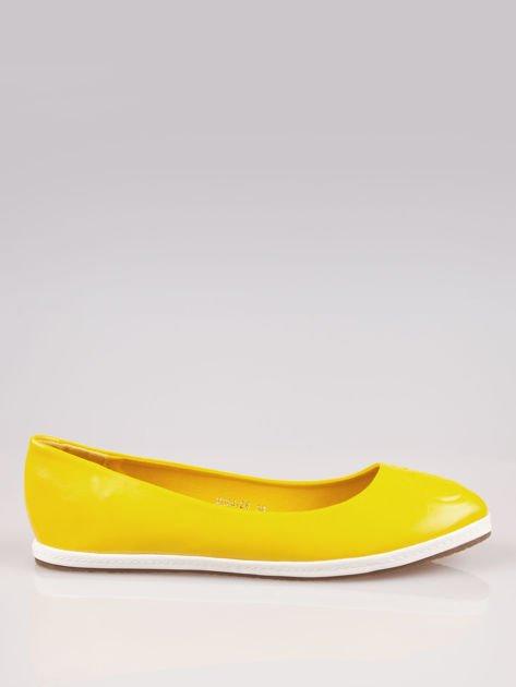 Żółte baleriny Sunny ze smukłym noskiem na kontrastowej podeszwie                                  zdj.                                  1