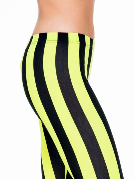 Żółto-czarne wyszczuplające legginsy w pionowe paski                                  zdj.                                  5