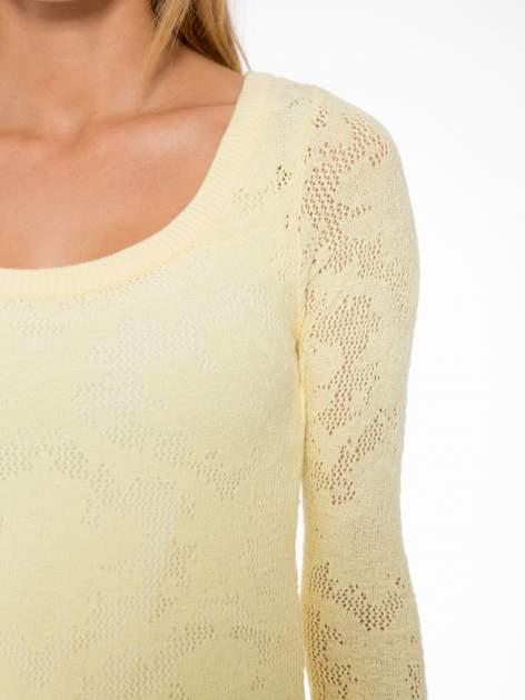 Żółty ażurowy sweter z rękawami 3/4                                  zdj.                                  5