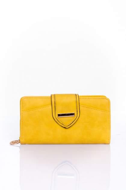 Żółty portfel z ozdobnym zapięciem                                  zdj.                                  1