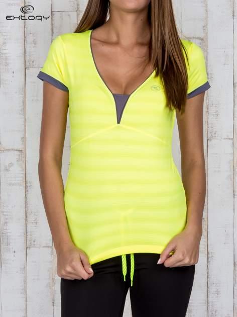 Żółty sportowy t-shirt z szarymi wykończeniami                                  zdj.                                  1