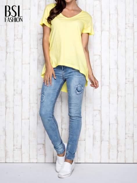 Żółty t-shirt acid wash z asymetrycznym dołem                                  zdj.                                  7