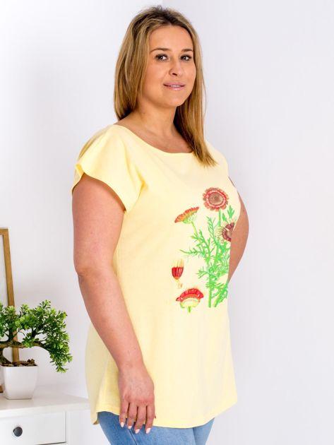 Żółty t-shirt z kwiatowym printem PLUS SIZE                              zdj.                              3