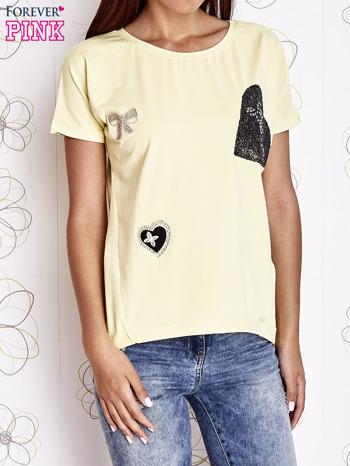 Żółty t-shirt z motywem serca i kokardki                                  zdj.                                  1