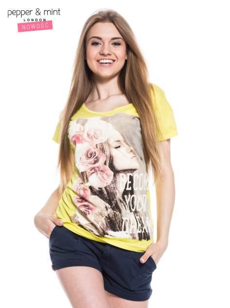 Żółty t-shirt z nadrukiem dziewczyny                                  zdj.                                  2