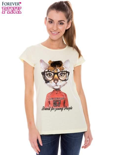 Żółty t-shirt z nadrukiem kotki w nerdach                                  zdj.                                  1