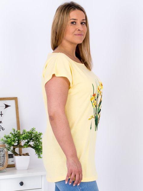 Żółty t-shirt z żonkilami PLUS SIZE                              zdj.                              5