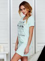 Bawełniana miętowa sukienka z napisami                                  zdj.                                  5