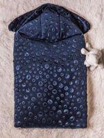 Becik rożek niemowlęcy na futerku zapinany na guziki granatowy                                  zdj.                                  3