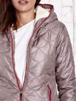 Beżowa pikowana kurtka z futrzanym ociepleniem                                   zdj.                                  7