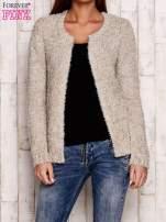 Beżowy otwarty włochaty sweter