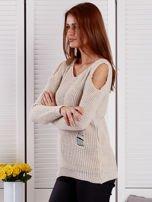 Beżowy sweter z dziurami                                  zdj.                                  3