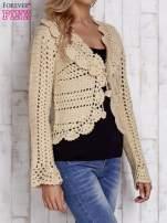 Beżowy sweter z wiązaniem                                  zdj.                                  3