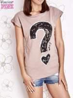 Beżowy t-shirt z nadrukiem znaku zapytania                                                                          zdj.                                                                         1