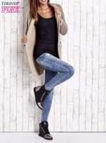 Beżowy włochaty sweter z otwartym dekoltem                                  zdj.                                  8
