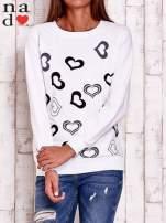 Biała bluza w serduszka