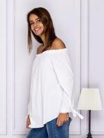 Biała bluzka z wiązaniami na rękawach                                  zdj.                                  5