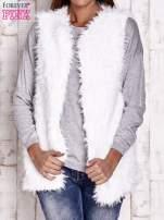 Biała futrzana kamizelka