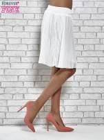 Biała plisowana spódnica do kolan                                  zdj.                                  4