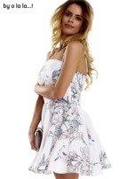 Biała sukienka w malarskie desenie BY O LA LA                                  zdj.                                  3