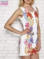 Biała sukienka z nadrukiem ptaków