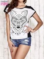 Biało-czarny t-shirt z wilkiem w azteckim stylu