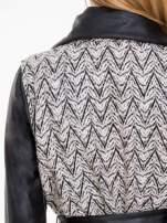 Biało-czarny wzorzysty wełniany płaszcz ze skórzanymi rękawami                                  zdj.                                  7