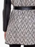 Biało-czarny wzorzysty wełniany płaszcz ze skórzanymi rękawami                                  zdj.                                  8
