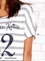 Biało-szary t-shirt w paski z napisem DAYDREAM NATION                                  zdj.                                  5