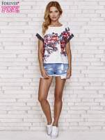 Biały kwiatowy t-shirt ze skórzanymi rękawami                                  zdj.                                  2