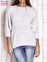 Biały sweter fluffy z metaliczną nicią                                  zdj.                                  1