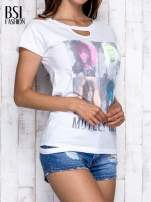 Biały t-shirt z nadrukiem Mötley Crüe                                                                          zdj.                                                                         4