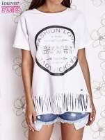Biały t-shirt z nadrukiem i frędzlami                                  zdj.                                  1