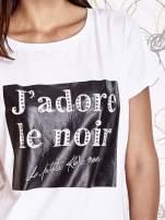 Biały t-shirt z napisem J'ADORE LE NOIR                                  zdj.                                  5