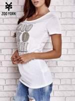 Biały t-shirt z napisem UNBREAKABLE