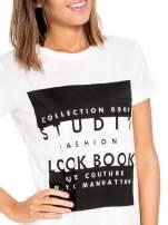 Biały t-shirt z napisem w stylu fashion