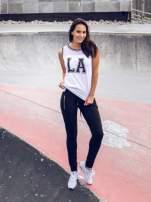 Biały top w stylu koszykarskim z nadrukiem LOS ANGELES i sportową lamówką