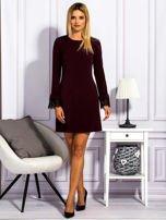Bordowa sukienka z koronkowymi rękawami                                  zdj.                                  4