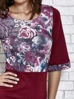 Bordowa sukienka z kwiatową aplikacją                                   zdj.                                  5