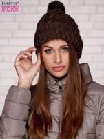 Brązowa dziergana czapka z pomponem                                  zdj.                                  1