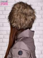Brązowa futrzana czapka