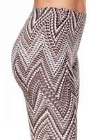 Brązowe legginsy z nadrukiem geometrycznym                                  zdj.                                  5
