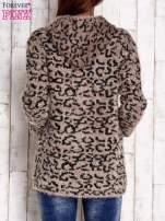 Czarny sweter zapinany na suwak