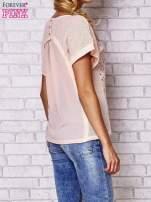 Brzoskwiniowy ażurowany t-shirt